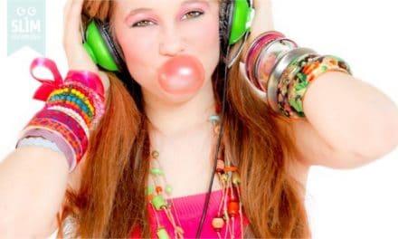 Kauwgom verwijderen uit kleding, haren of tapijt