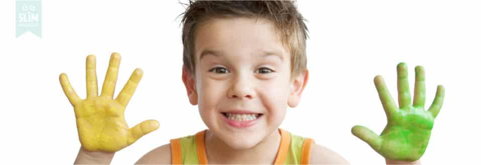 Kinderknutsels opruimen, kindertekeningen opruimen